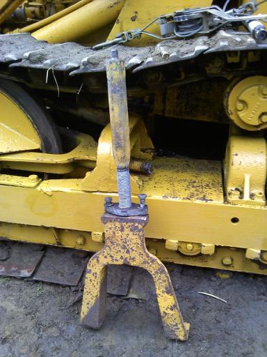 HD3 track adjustment/link removal - AllisChalmers Forum - Page 1
